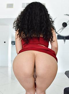 Nude latina upskirt